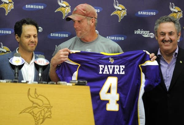wholesale dealer 9549a 7f09f What retirement? Favre coming back with Vikings | MPR News