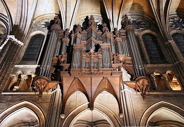 1971 Gonzalez organ at the Cathédrale Notre-Dame, Chartres, France