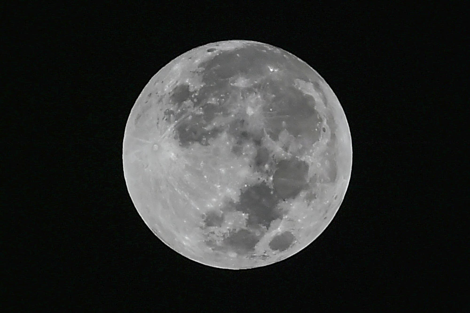 Big Full Blue Moon appear Tonight