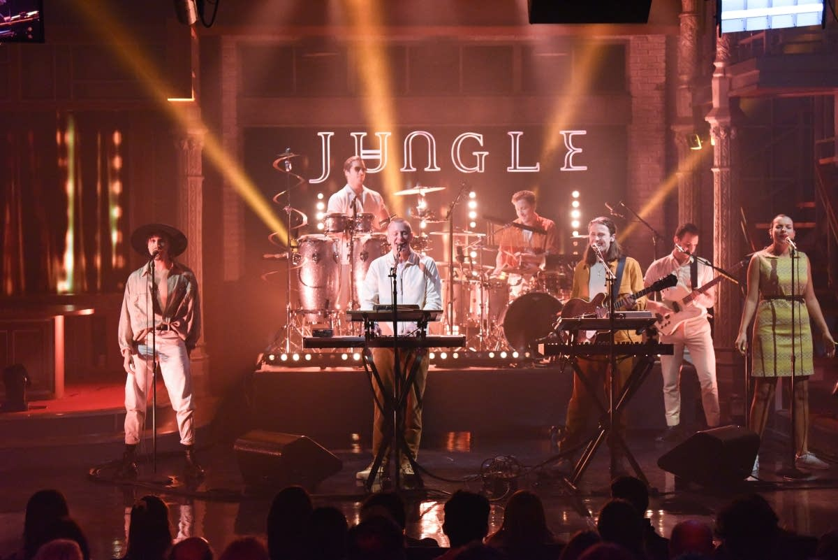 Jungle perform on 'The Late Show with Stephen Colbert'