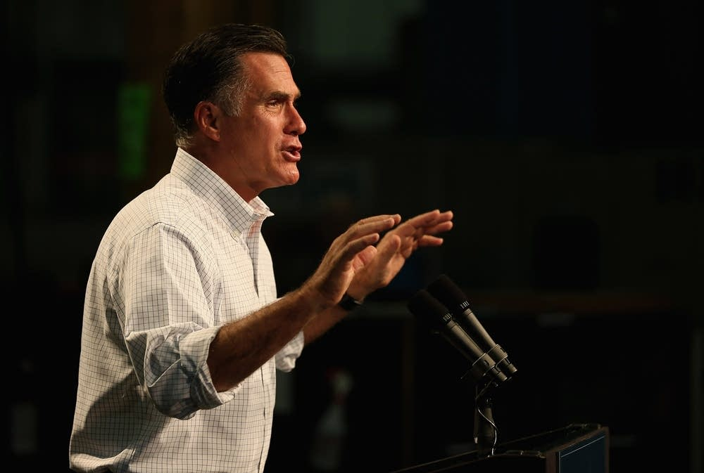 Mitt Romney Campaigns In Chicagoland Area