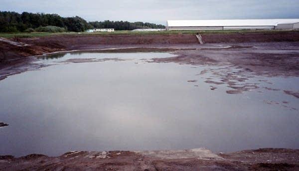 Manure basin