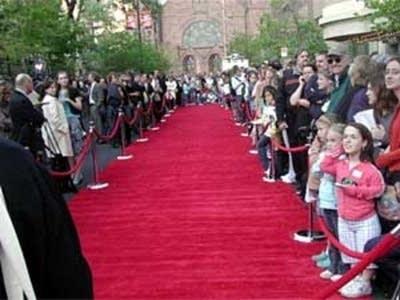 705072 20060504 redcarpet