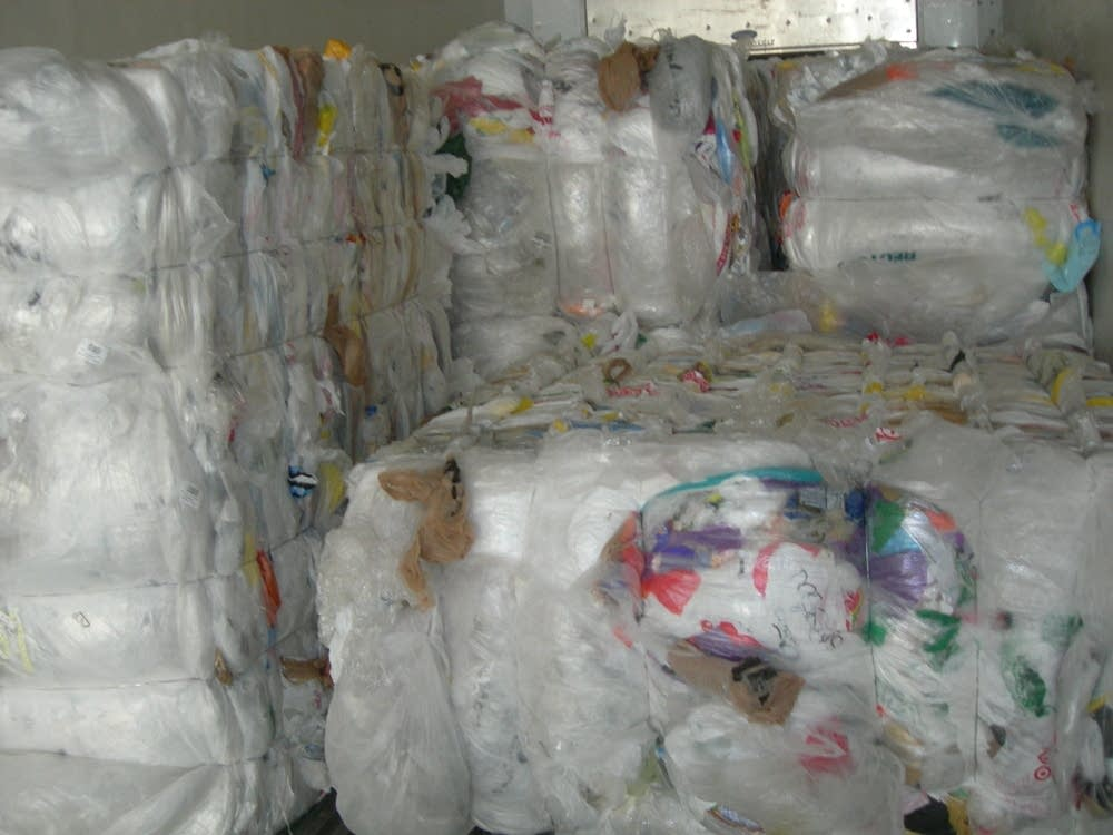 plastic menace essay 50/100/150/200 long essay,article on say no to polybags which can also be used to prepare a speech on say no to polybags in present time the uses of plastic or polybags have become very.