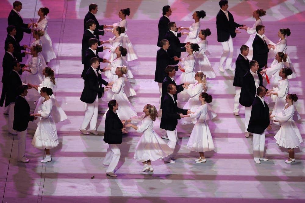 Dancers perform Moskva/The Dream