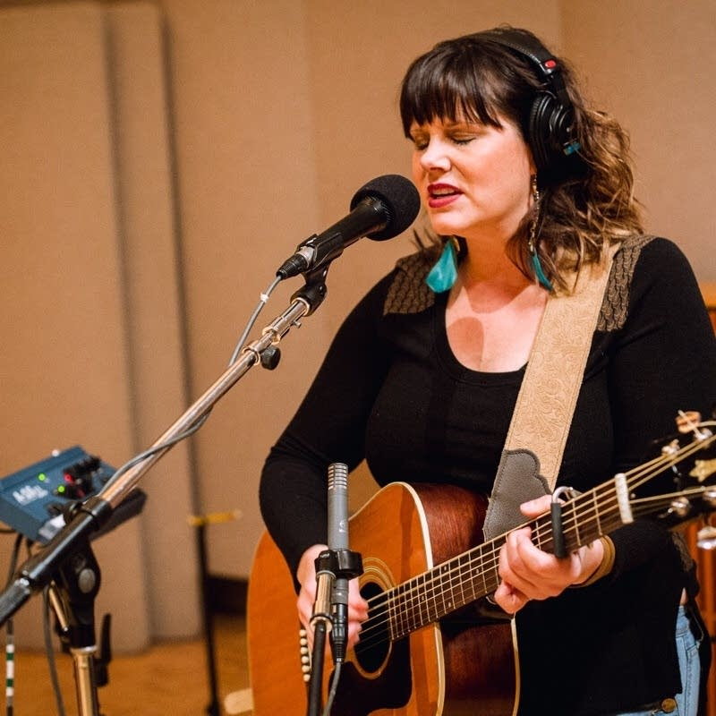 Vicky Emerson performs in the Radio Heartland studio