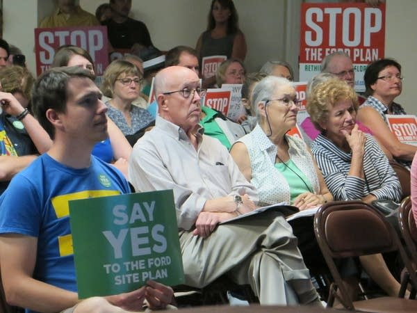 St. Paul Highland Park residents at Ford site redevelopment meeting.