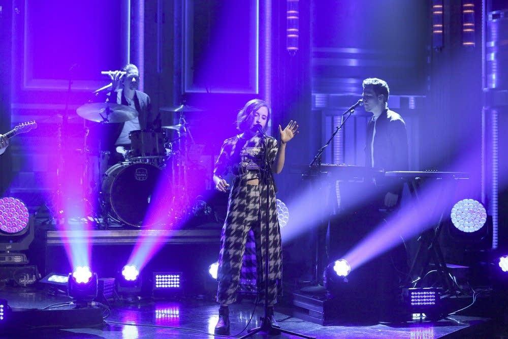 Alice Merton performs on 'The Tonight Show Starring Jimmy Fallon'