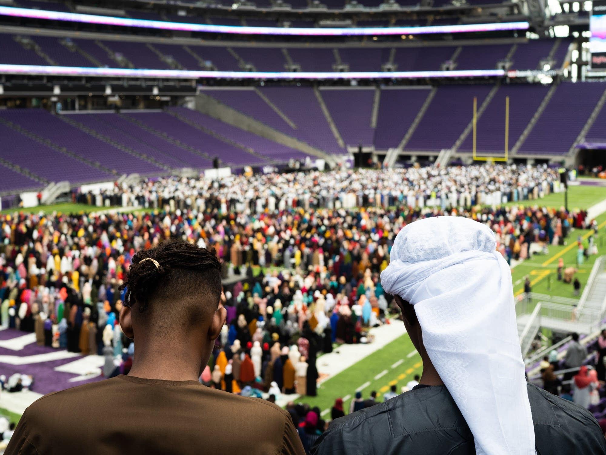 Photos: Thousands fill U S  Bank Stadium for 'Super Eid