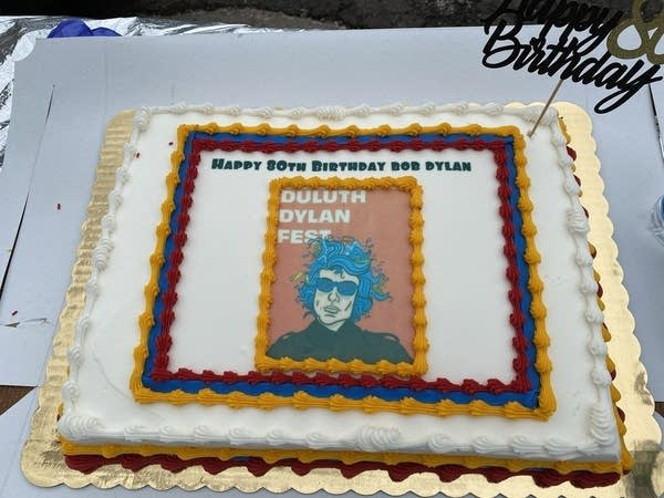 a cake for Duluth Dylan Fest