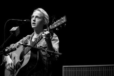 D6f33b 20130816 laura marling 7
