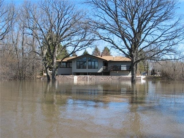 During the 2006 flood