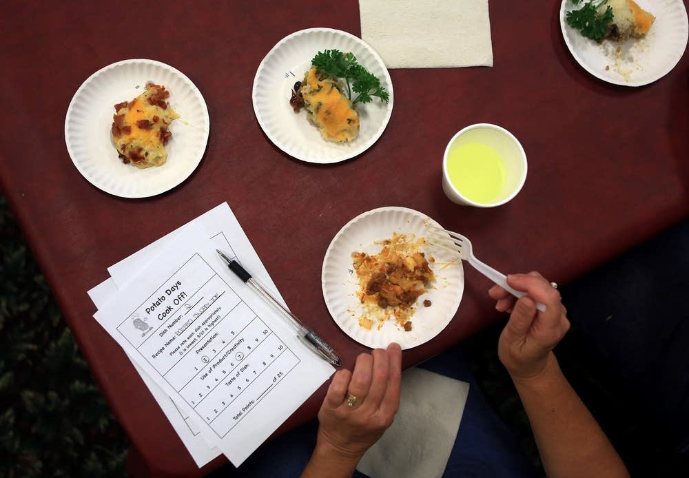 Judging potato entries