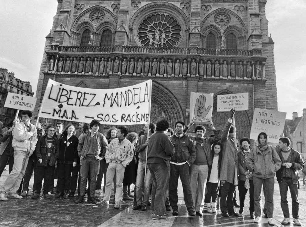 Mandela protest