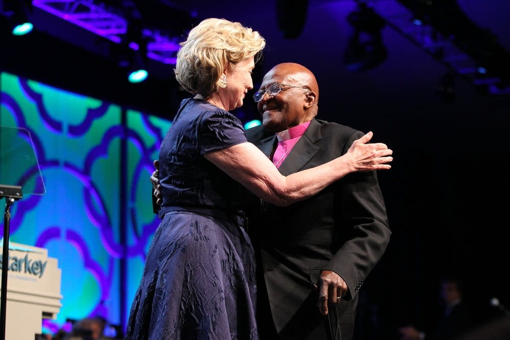 Hillary Clinton and Desmond Tutu at the 2014 gala.