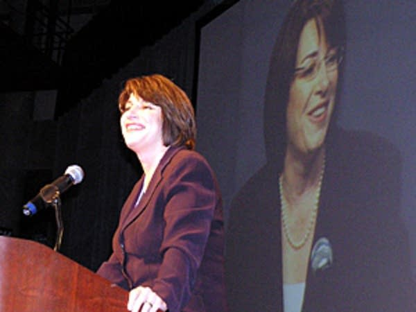 Klobuchar makes a pitch