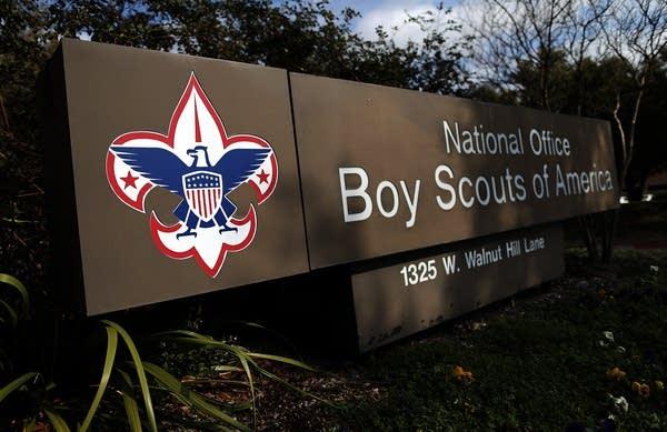 Boy Scouts, Parents Deliver Petition To Boy Scout