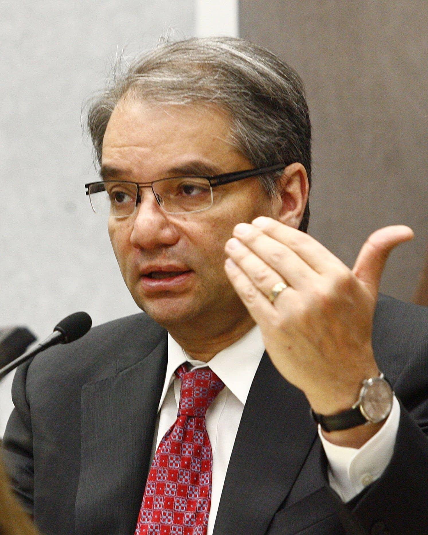 Dr. Thomas Gratzer