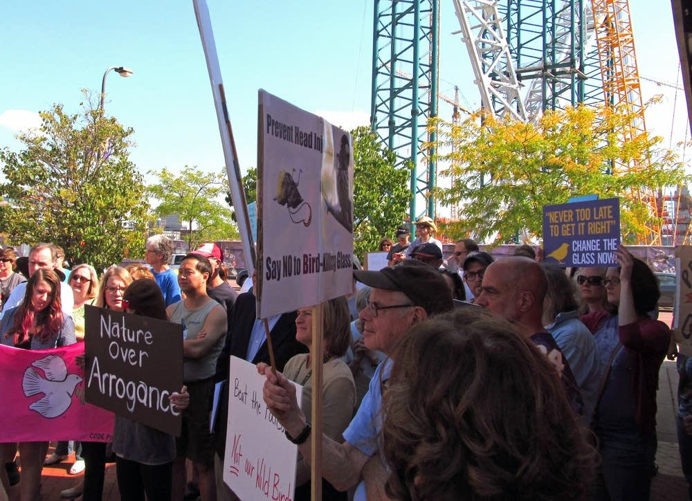 Audobon Chapter of Minneapolis protests glass