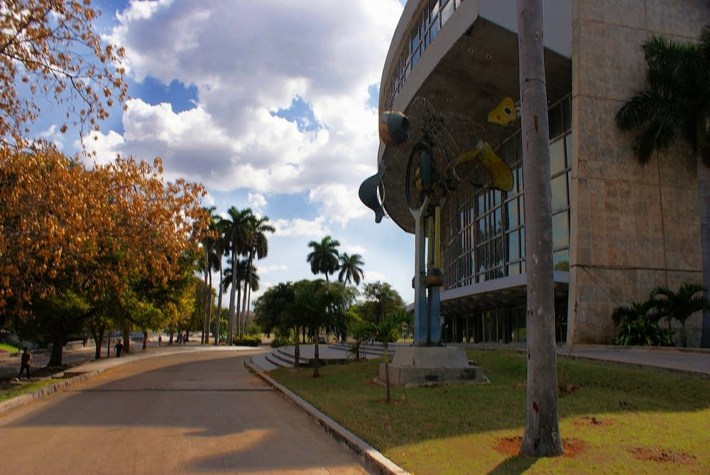 Teatro Nacional in Havana, Cuba