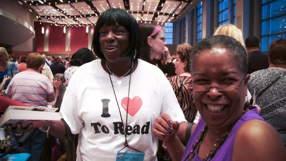 Romance writer Beverly Jenkins with a fan