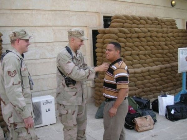 Ellison meets U.S. soldiers