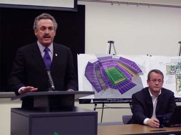 2006: Wilf presents stadium plan