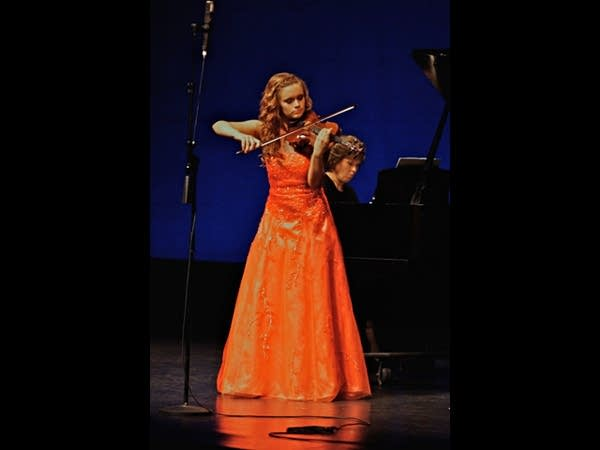 Violinist Aria Stiles performs Saint-Saens