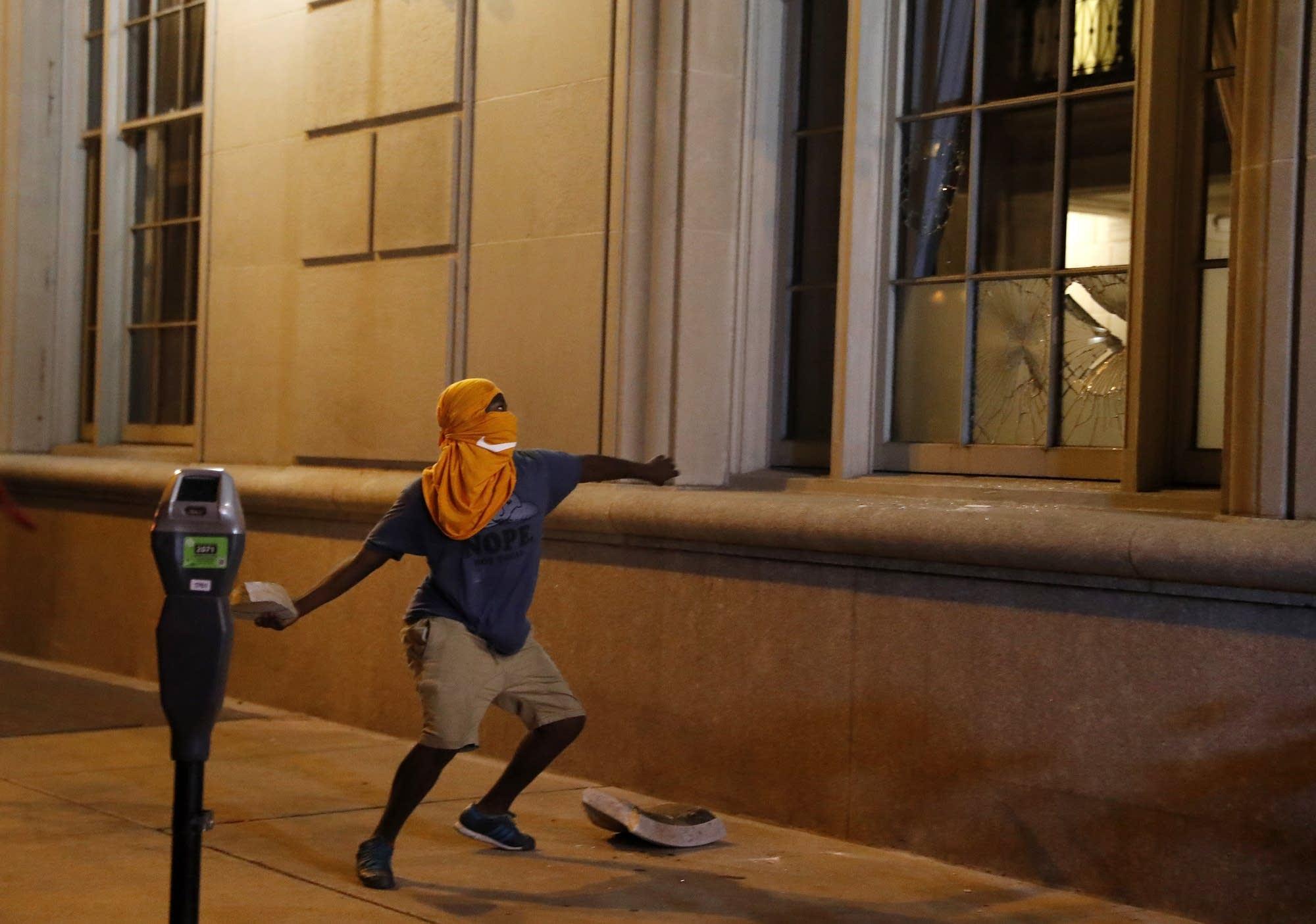 99a2d9-20170918-st-louis-violence.jpg