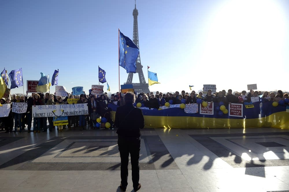Ukraine unrest in France