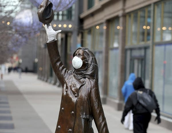 The Mary Tyler Moore statue on Nicollet Mall got a mask.