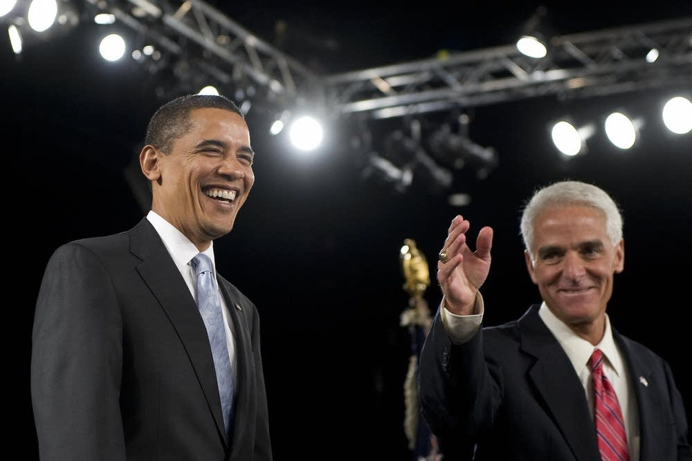 Florida Governor Charlie Crist (R) intros Obama