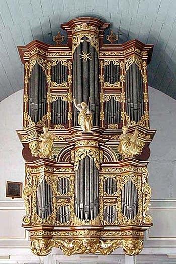 1680 Schnitger organ at Sankt Peter und Paul Kirche, Cappel, Germany
