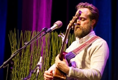 F6a571 20110413 iron and wine2