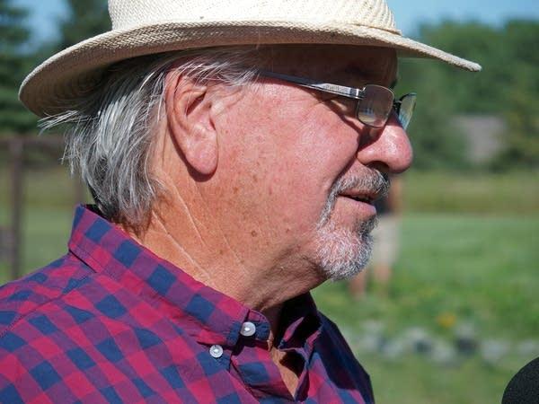 Kansas artist Stan Herd