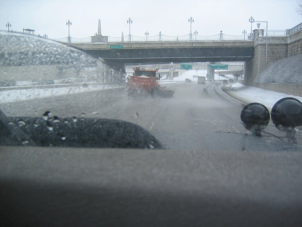 Plows on the road