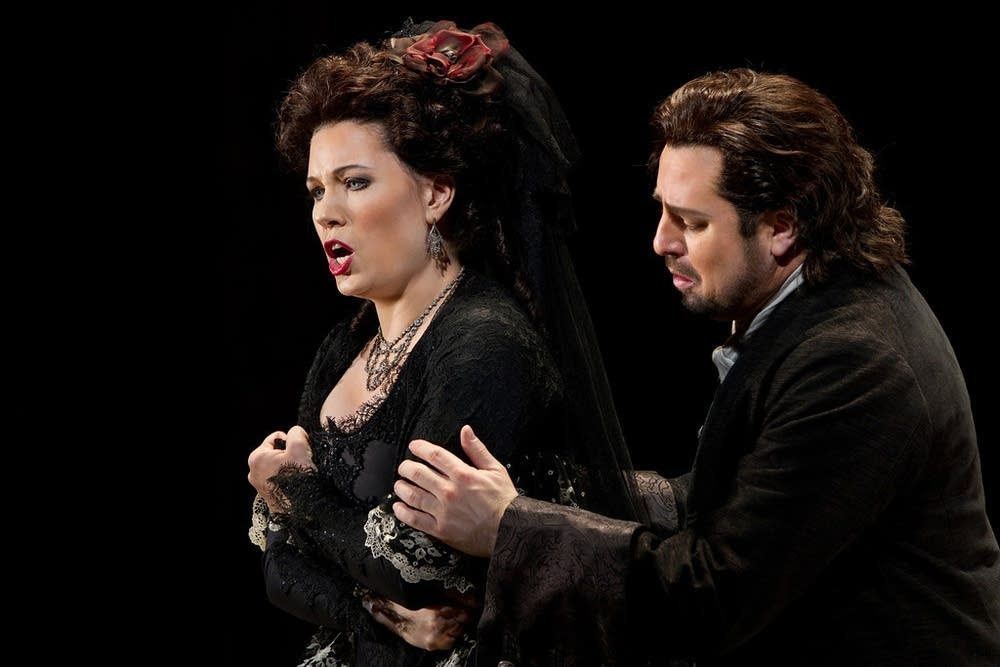 Rebeka as Donna Anna and Polenzani as Don Ottavio