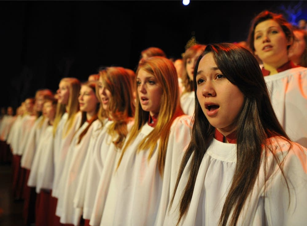 2012 St. Olaf Christmas: Manitou Singers