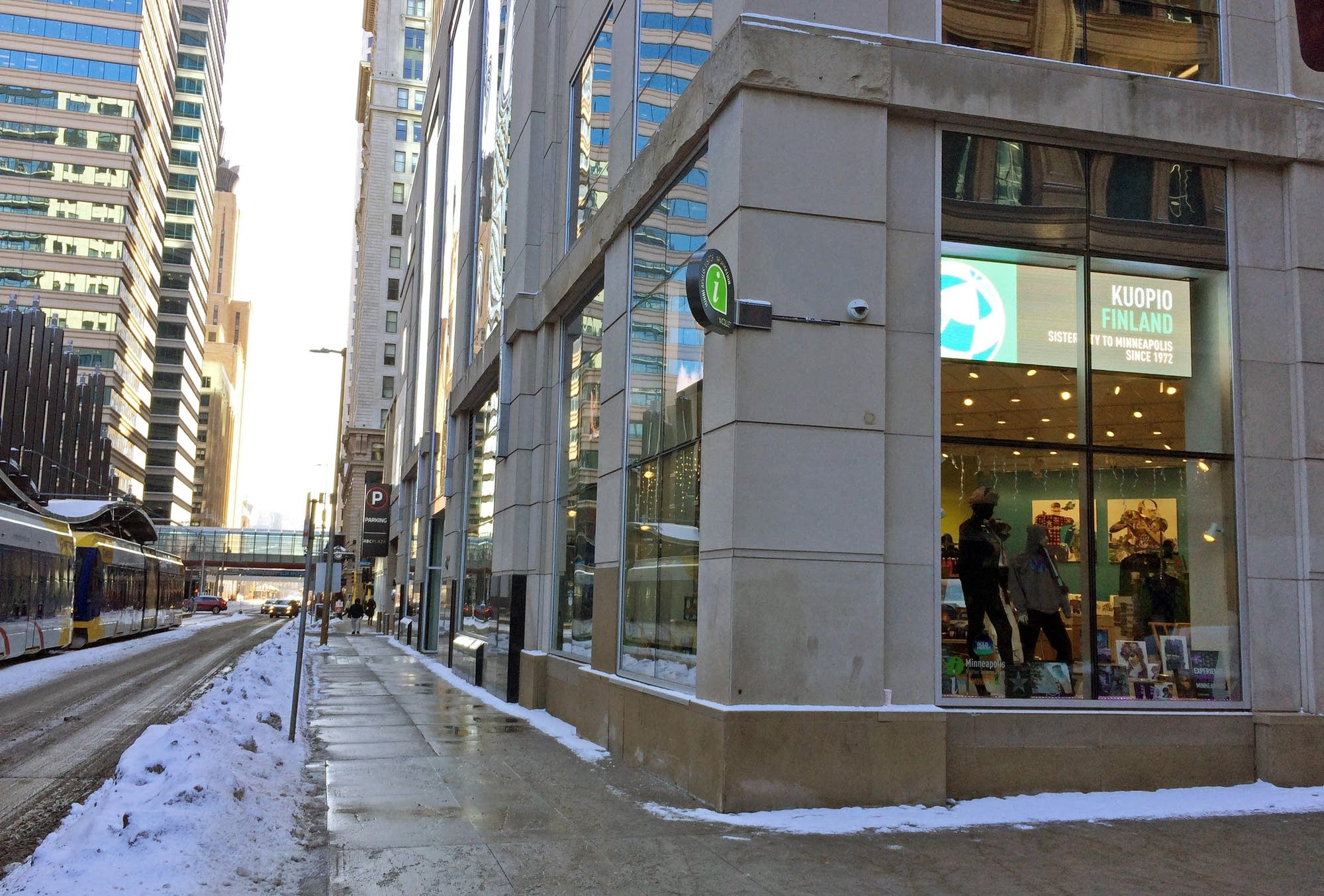 The Meet Minneapolis visitors center at 5th & Nicollet.