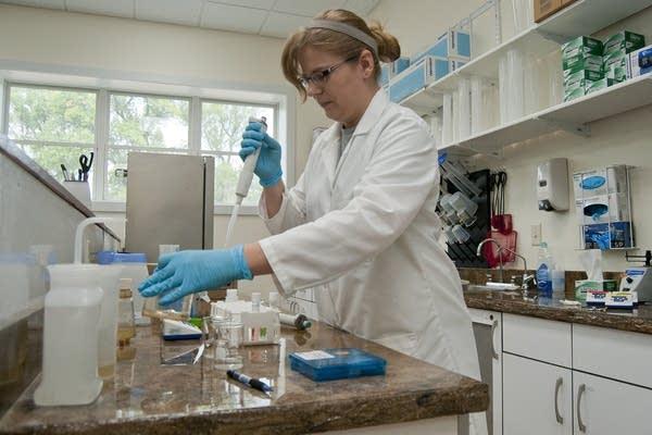 Lisa Broderius tests water samples.