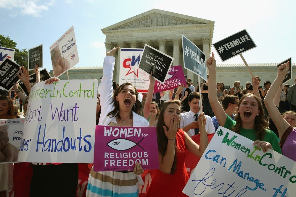 Supreme Court issues ruling in Hobby Lobby case