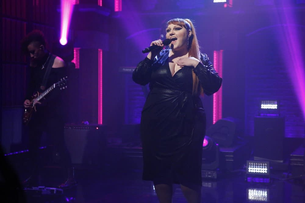 Beth Ditto performs on 'Late Night with Seth Meyers'