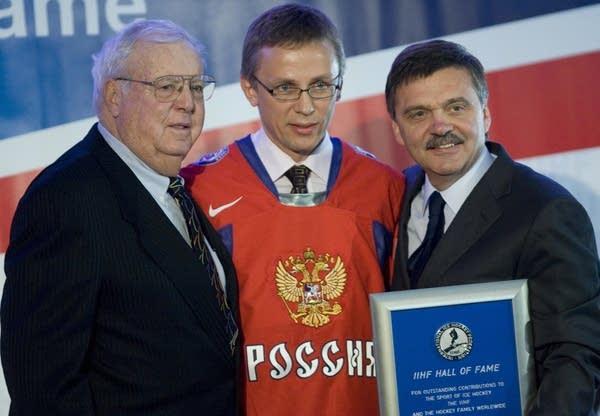 IIHF Vice-President Walter Bush, left in 2008