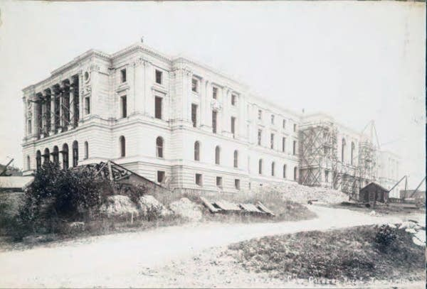 Capitol construction on June 1, 1900