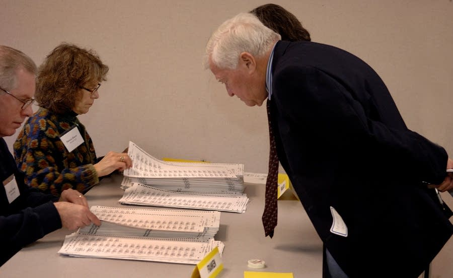 Recount officials