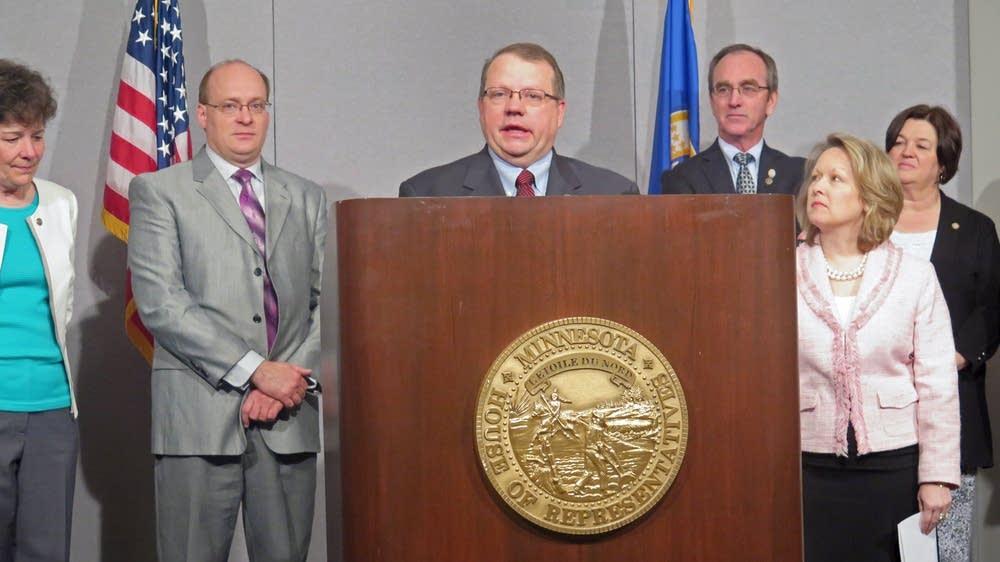 Rep. Ron Kresha proposes rural broadband effort.