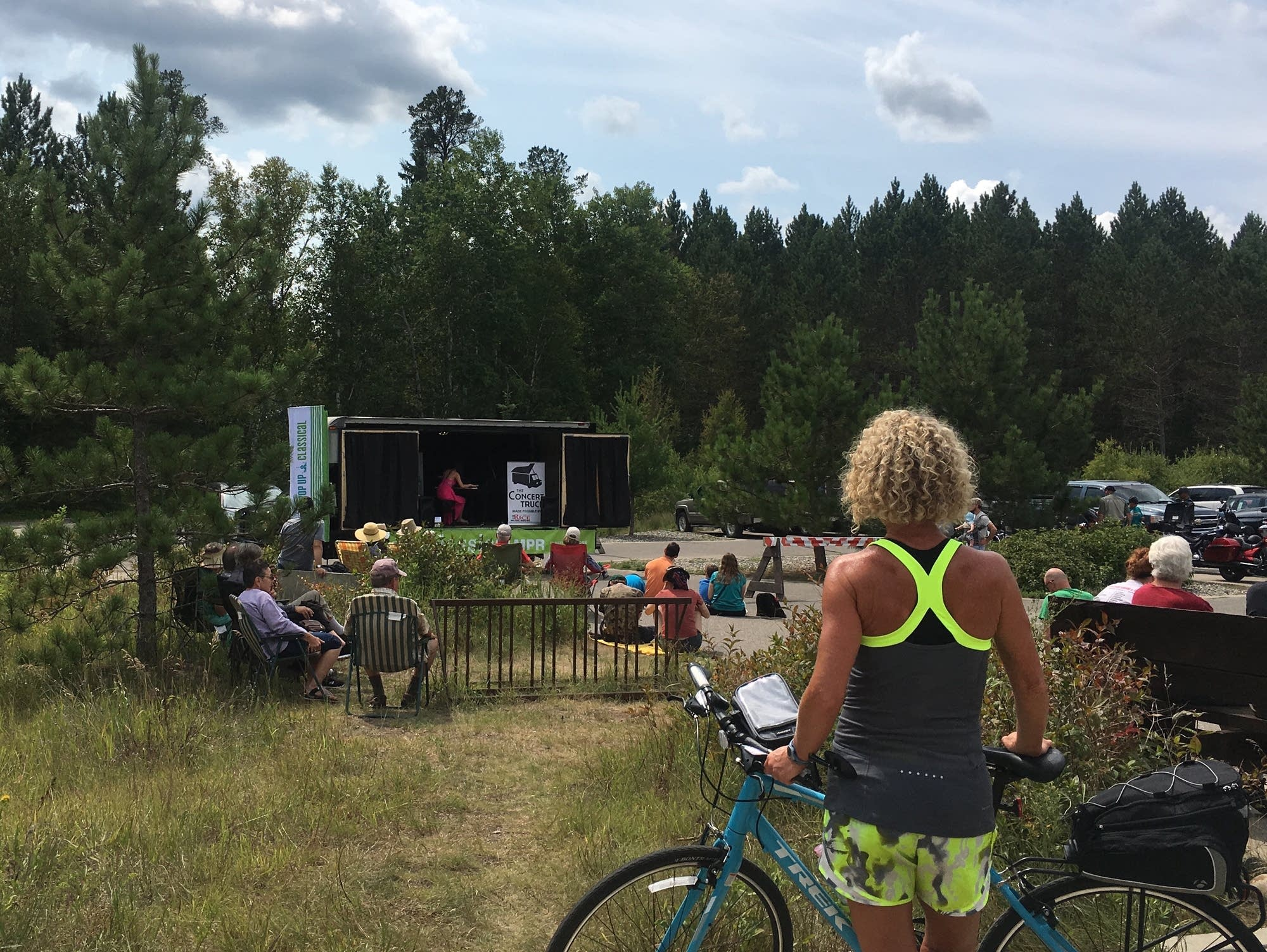 Pop Up Classical: The Concert Truck 2017 - Biking Itasca