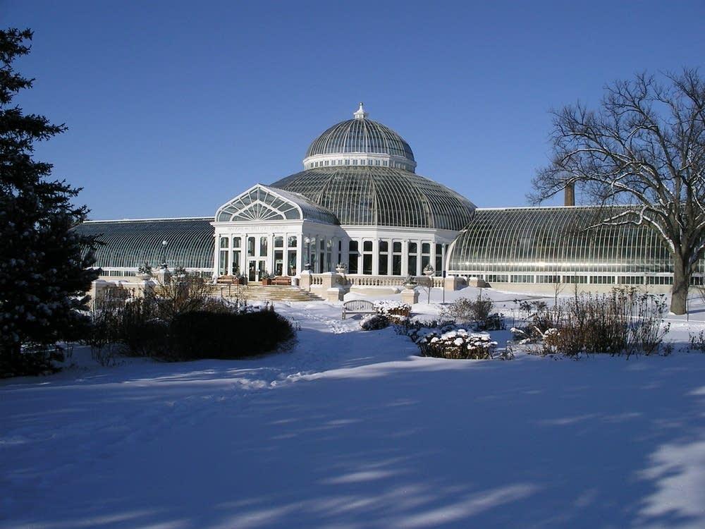 como conservatory winter exterior