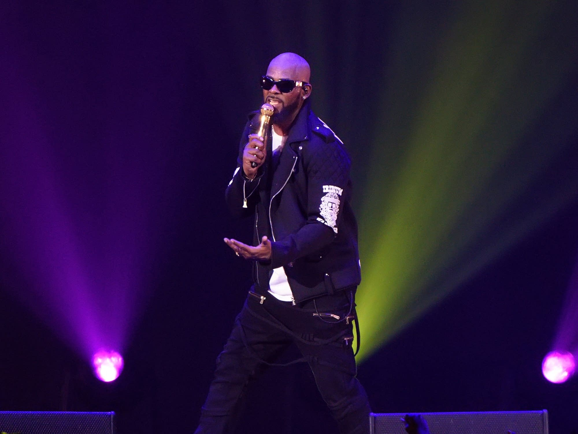 R. Kelly performs in Chicago in 2016