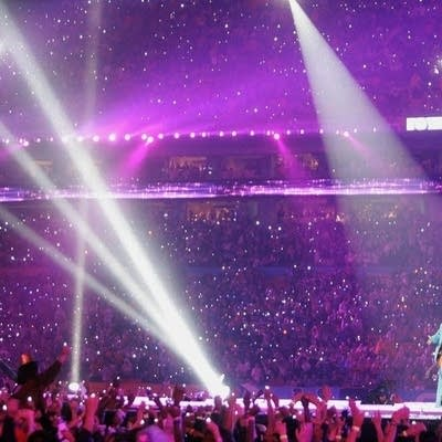 C66a30 20160530 prince performs during halftime at super bowl xli